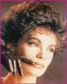 OmG couldn't resist pinning this 1980 stunner hairstyle. Lol