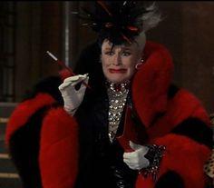 Glenn Close is Fetch-ing as Cruella de Vil for Halloween 2020. It Has Gone to the Dogs! — Palos Verdes Pulse
