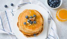 In unseren Protein-Pancakes ist kein Platz für Zucker und Mehl! Stattdessen gibt's figurtaugliche Zutaten wie Haferflocken und Magerquark