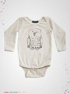 Body enfant à l'imprimé original hibou, se coordonnera très facilement avec tous les vêtements de votre enfant.