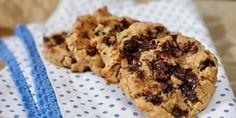 Kafékjeks med sjokoladebiter – Berit Nordstrand, med masse bønner/kikerter i deigen Healthy Sweets, Healthy Recipes, Fiber, Chips, Snacks, Cookies, Baking, Eat, Desserts
