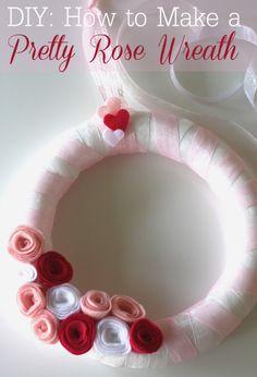 Felt rose wreath DIY! #decorations #kidsroom #valentinesday