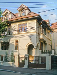 Popa Savu, nr. 2 – Case care NU mai plang Bucharest Romania, Architecture Design, Dan, Costumes, Mansions, House Styles, Architecture Layout, Dress Up Clothes, Manor Houses