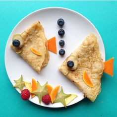 Combine 'Nutella Crepes' with 'Fruits' and set them under the SEA🐠🐟🐳 yummy_town k… Cute Food, Good Food, Yummy Food, Food Crafts, Diy Food, Fruit Crafts, Toddler Meals, Kids Meals, Food Art For Kids