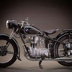 Classic BMW by @heroesmotorcycles