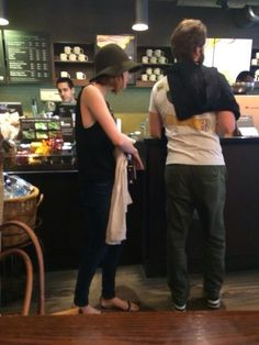 Fan picture of Emma Stone and Andrew Garfield at Starbucks
