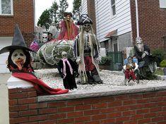 File:Halloween Midgets 2011.JPG