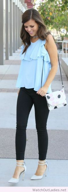 Baby blue ruffled top outfit idea