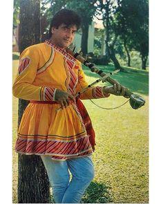 "1 Likes, 1 Comments - muvyz.com (@muvyz) on Instagram: ""#muvyz072517 #BollywoodFlashback #postcard #Jeetendra #instagood #instadaily #instapic #muvyz"""