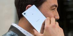 IFA 2015: Sony lanza el primer smartphone con pantalla 4K del mundo   Xperia Z5 Premium posee cámara de 23 Mpx con enfoque en 003 segundos procesador de 8 núcleos sensor de huellas dactilares y pantalla de 55 pulgadas con la mejor resolución de un teléfono hasta ahora.  Con la tarea de mantenerse en el negocio de la telefonía a pesar de los regulares resultados de sus últimos lanzamientos Sony presentó en la feria tecnológica IFA de Berlín sus tres nuevos teléfonos inteligentes de gama alta…