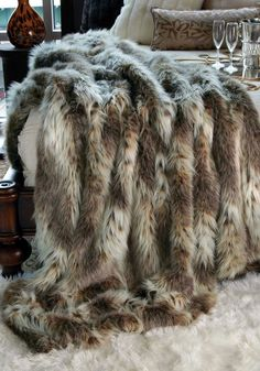 will cover my whole bed want champagne fox faux fur full throw blanket 58 x. Black Bedroom Furniture Sets. Home Design Ideas