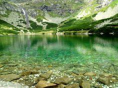 High Tatras by miselamis, via Flickr High Tatras, Tatra Mountains, Mountain Climbing, Winter Sports, Mountain View, Skiing, Nature, Summertime, River