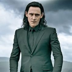 Tom Hiddleston and Loki have caused me to have to move into a tree house to cope, Please come visit and bring tea. Loki Thor, Loki Marvel, Marvel Actors, Loki Laufeyson, Marvel Dc Comics, Marvel Characters, Loki Gif, Marvel Gif, Loki Avengers