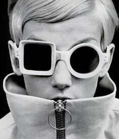 Model wearing Pierre Cardin sunglasses in 1971 // Black and white 60's / 70's Sunglasses fashion photo shot by photographer Guy Bourdin