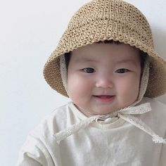 Baby sun Hats - Crochet Straw paper hat - Beach hat for kid Cute Asian Babies, Korean Babies, Cute Babies, Baby Sun Hat, Baby Head, Crochet Summer Hats, Crochet Hats, Cute Toddlers, Cute Kids
