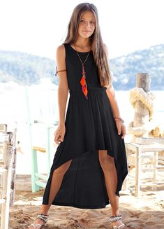 Little girl outfit: black high low dress. Outfits Niños, Cute Girl Outfits, Outfits For Teens, Teenage Outfits, Fall Outfits, Preteen Fashion, Teen Fashion Outfits, Teenager Fashion, Fashion 101