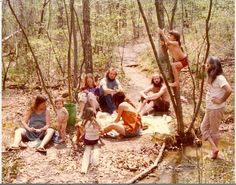 hippie life 89579480077332265 - Rare and Unseen Color Photos of America's Hippie Communes From The Happy Hippie, Hippie Love, Hippie Vibes, Hippie Baby, Hippie Bohemian, Boho, Woodstock, Hippie Photography, 1970s Hippie