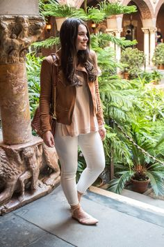 It finally feels like Spring! Click the pin to see outfit details at My Sweet Genevieve.| Spring Fashion| Young Mom Style | OOTD | Spring Style | Spring Outfit