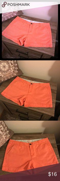 Women's Orange Merona Shorts - Size 6 Orange Women's Merona Shorts Size 6 100 % Cotton Good Condition  Only worn 2-3 times Merona Shorts