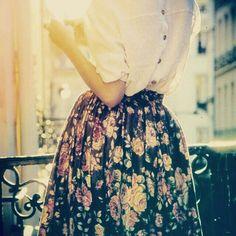 Simplesmente amo saia floral rodada