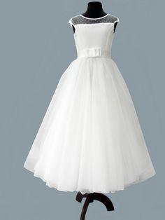 Znalezione obrazy dla zapytania szycie sukienki komunijne