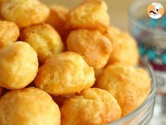 A crunchy and fluffy puff that tastes like cheese. Finger Food Appetizers, Appetizer Recipes, Snack Recipes, Cooking Recipes, Aperitivos Finger Food, Comida Diy, French Food, Vegetarian Cheese, Diy Food