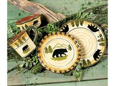 I have always loved home sets (dinnerware, bathware, bedding, etc) with black bears, moose, elk, and pine trees on them <3
