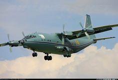 Летное поле - Самолеты Ан-12 (ВМФ России) в Остафьево.