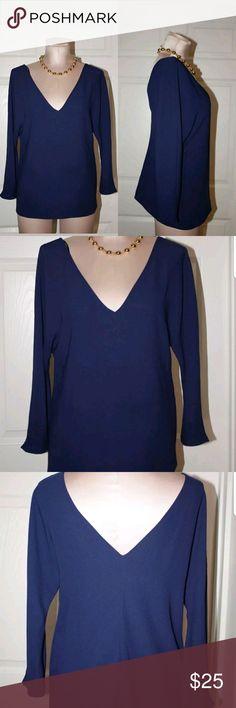 Zara Navy Blue Woman's V-neck Blouse Top Sz M Up for sale Zara Navy Blue Woman's V-neck Blouse Top ,Long Sleeve   Size M Zara Tops Tees - Long Sleeve