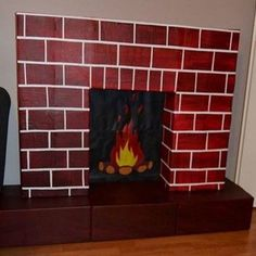 to make a false cardboard fireplace for Christmas Diy Christmas Fireplace, Fake Fireplace, Noel Christmas, Halloween Decorations, Christmas Decorations, Holiday Decor, Deco Table Noel, Cardboard Fireplace, Christmas Crafts