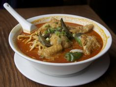 Nyonya: Malaysian curry mee soup in Chinatown