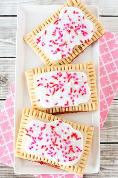 Pop tarts, oh pop tarts. How I've missed you. As a kid, pop tarts were like having dessert for breakfast. They're pretty much just pie pockets that you heat up in the toaster. Maybe tha…