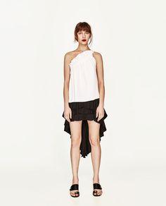 ZARA - FEMME - TOP ASYMÉTRIQUE À FRONCES Zara Mode, Zara United Kingdom, Zara Fashion, One Shoulder Tops, Top View, T Shirt, Ballet Skirt, Nyc, Woman