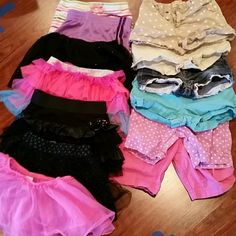 13 pc bundle girls size 6 justice free style gym all are in excellent condition with no rips or stains 4 pairs of shorts (2okie dokie. 1 arizona 1 cherokee) 2 Bermuda shorts by okie dokie. 1 pair of shorts by gymboree 1 athletic pair of shorts by champion 4 skirts 1of each by justice okie dokie freestyle and knitwork 1 pink sheer skirt it is see thru and made to go over leotard or leggings I have other bundles listed also same size check them out and bundle justice freestyle Other