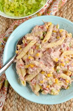 Stuck for ideas for lunch? Then make up a tub of this delicious and light Slimming World Tuna Pasta Salad. A great portable meal.