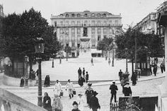 Praça Luis de Camões (1900) Old Pictures, Old Photos, History Of Portugal, Places In Portugal, Old City, Vintage Photography, Portuguese, Places To Travel, Spain