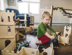 Love this zoo within our modular castle walls. What would your little one create?