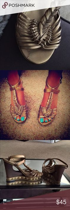 Grecian Style Vince Camuto Very Chic BronZe Leather Vince Camuto , Gorgeous Reposh , too Small Vince Camuto Shoes Platforms