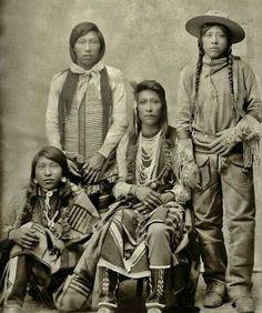 Standing L-R: Jack Edmo (Shoshone), Joe Warren (Bannock) Sitting L-R: James Edmo (Shoshone), Fred Sonnip (Bannock) - circa 1895 Native American Pictures, Native American Beauty, Native American Tribes, Native American History, American Indians, American Pride, American Quotes, American Symbols, Native Indian