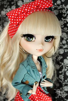 Betsy (outfit Aaliyoh Boy,jacket BNP) by Aaliyoh Boy, via Flickr