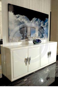 Luxury white cabinet. Discover more: www.buffetsandcabinet.com | #cabinetdesign #whitecabinet #livingroomcabinet