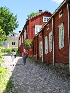 vanha Porvoo Scandinavian Countries, Scandinavian Home, Wooden Buildings, Wooden Houses, Finland Travel, Malta, Swedish House, Helsinki, View Photos