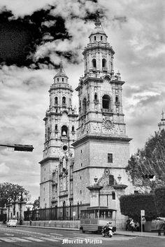 Catedral de Morelia Michoacan Mexico ,,, semiactual
