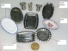 tray out of foil tutoriales Dollhouse Miniature Tutorials, Diy Dollhouse, Dollhouse Miniatures, Miniature Kitchen, Miniature Food, Miniature Dolls, Miniature Furniture, Doll Furniture, Barbie Accessories