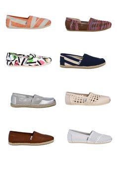 Pro tuto sezónu nabízí Destroy Nový Smíchov boty Toms v nových barvách a vzorech.  Kromě toho je jedním z 5 obchodů, které prodávají speciální edici bot vytvořených v rámci projektu HVĚZDY POMÁHAJÍ.