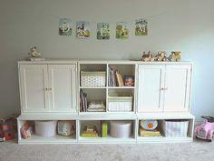 Estou iniciando o planejamento para a troca de móveis do quarto da Bia. Até hoje o seu quarto é de bebê! Apenas o berço foi transformado ...