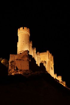 "Peñafiel Castle, Valladolid, Spain    ""Making castles in Spain..."" / "" Faire des châteaux en Espagne "" = To dream..."
