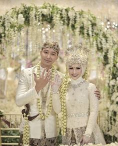 Melody Nurramdhani Laksani and husband 3 November 2018 Kebaya Wedding, Muslimah Wedding Dress, Muslim Wedding Dresses, Muslim Brides, Wedding Hijab, Wedding Dress Sleeves, Wedding Poses, Wedding Attire, Wedding Bride