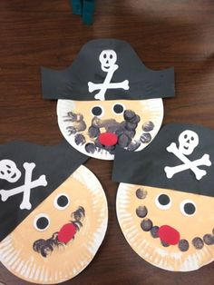 """""""Preschool Ideas For 2 Year Olds: More pirate preschool projects"""". Paper plate pirate and treasure chest. Easy and adorable pirate crafts for kids. Preschool Projects, Daycare Crafts, Toddler Crafts, Projects For Kids, Crafts For Kids, Art Projects, Kids Diy, Crafts For 2 Year Olds, Pirate Preschool"""