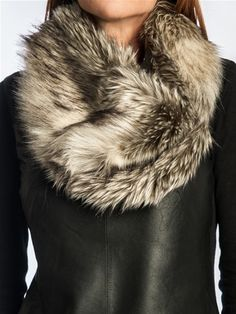 Nordic Faux Fur Neck Warmer | Loris Shoes
